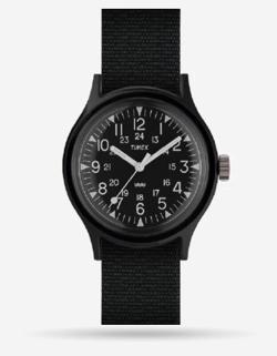 岡田結実・吉田あかりドラマ衣装ブラックの腕時計