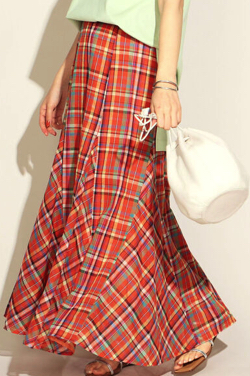 めざましテレビ井上清華衣装オレンジのチェック柄スカート