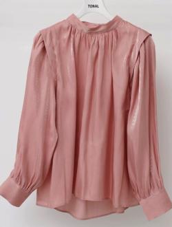 ZIP!水卜麻美 (みとちゃん)衣装ピンクのギャザーブラウス