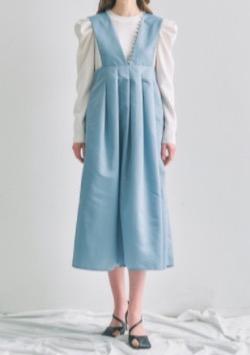 【あざとくて何が悪いの?】弘中綾香アナ衣装ブルーのワンピース