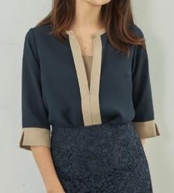 【zip】水卜麻美アナ(ミトちゃん)衣装(シャツ)のブランド(2021/8/6)ネイビーとベージュのブラウス