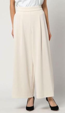 ZIP!水卜麻美 (みとちゃん)衣装ホワイトのワイドパンツ