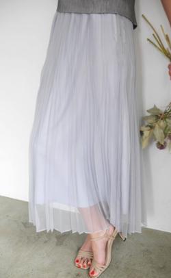 ZIP貴島明日香衣装グレーのシアープリーツスカート