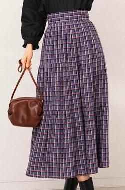 めざましテレビ井上清華衣装ブルーxピンクのチェック柄スカート