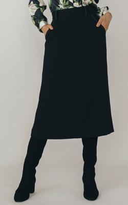 Live News it!加藤綾子衣装ブラックのスカート