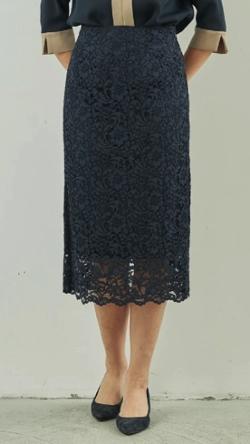 ZIP!水卜麻美 (みとちゃん)衣装ネイビーのレースタイトスカート
