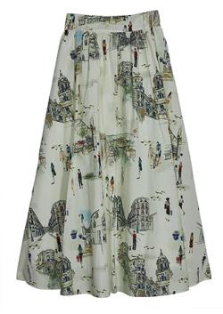 ライトベージュのプリントスカート