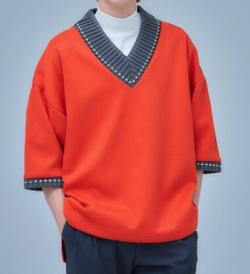 彼女はキレイだった(かのきれ) 赤楚衛二(樋口拓也)ドラマ衣装オレンジのVネックTシャツ