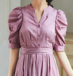ZIP貴島明日香衣装ピンクのボリュームスリーブブラウス