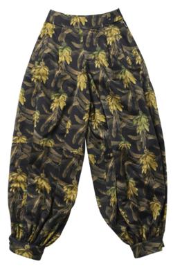 【ボクらの時代】木村佳乃 衣装ブラックのバナナプリントギャザーパンツ