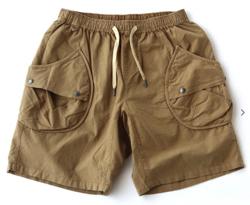 【家族募集します】重岡大毅・仲野太賀ドラマ衣装ベージュのショートパンツ