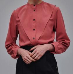 人生が変わる1分間の深イイ話・上國料萌衣衣装ピンクのブラウス