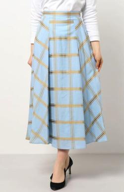 推しの王子様(おしプリ)・ドラマ衣装比嘉愛未ライトブルーのチェック柄フレアスカート