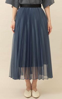 推しの王子様(おしプリ)・ドラマ衣装比嘉愛未ブルーのシアープリーツスカート