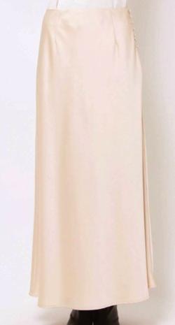 スッキリ・岩田絵里奈衣装アイボリーのナロースカート