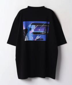 Instagram・山下智久(やまぴー)ブラックのバックプリントTシャツ