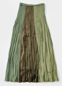 推しの王子様(おしプリ)・ドラマ衣装比嘉愛未グリーンxブラウンのプリーツスカート