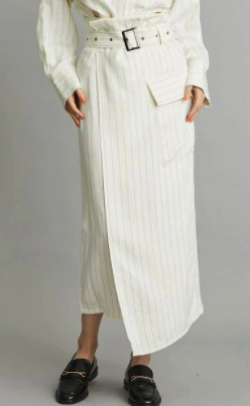 アイボリーのストライプ柄スカート