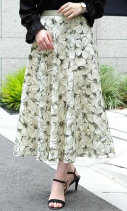 ZIP貴島明日香衣装   アイボリーの大柄フラワープリントスカート