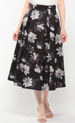 めざましテレビ】藤本万梨乃アナ衣装黒い花柄フレアスカート