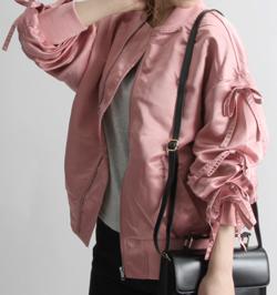 おかえりモネ・恒松祐里(すーちゃん) 衣装ピンクのブルゾン