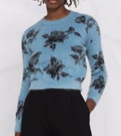 恋です(ヤンガル)杉咲花衣装ブルーの花柄セーター