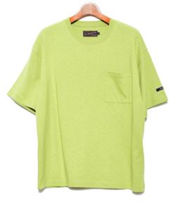 【板垣瑞生】グリーンのTシャツ