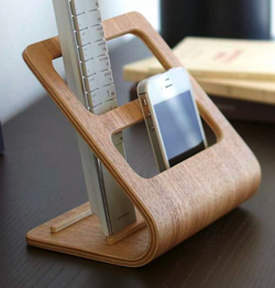 木製のリモコンラック