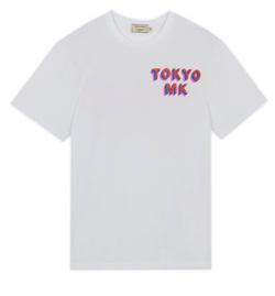ホワイトのロゴTシャツ