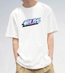 【矢本悠馬】ホワイトのロゴTシャツ