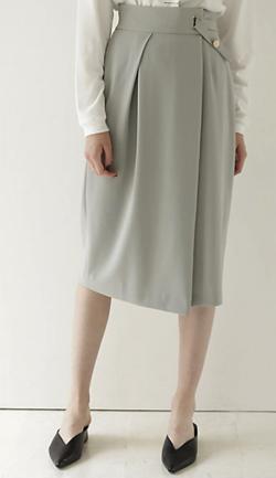 ミントグリーンのアシメタイトスカート