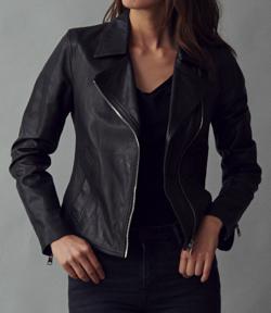 【若月佑美】ブラックのジャケット