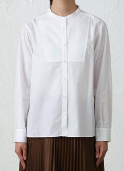 ホワイトのシャツ