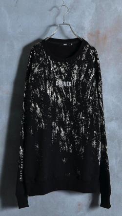 ブラックのニットセーター