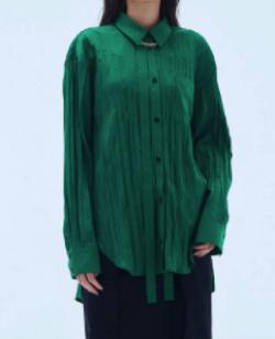 グリーンのワッシャーシャツ