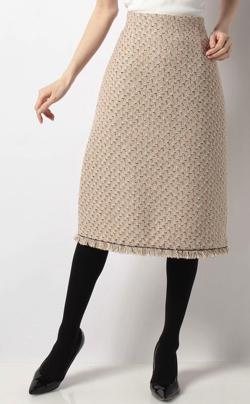 ベージュのツイードスカート