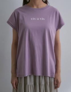 ピンクのロゴTシャツ