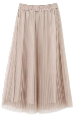 ベージュのチュールプリーツスカート