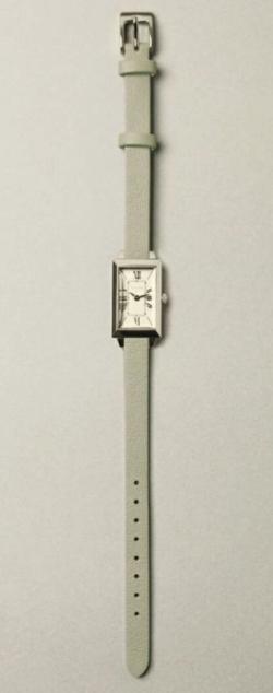 ライトグリーンの腕時計