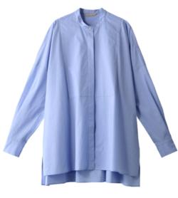 ブルーのシャツブラウス