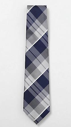 ブルー系のチェック柄ネクタイ