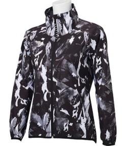 黒いプリント柄ナイロンジャケット