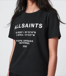 黒いロゴTシャツ