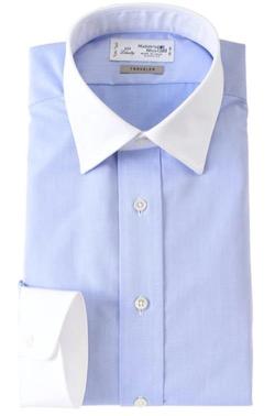 白襟のブルーシャツ