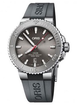 【小栗旬】カーキベルトの腕時計